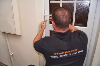 Local Keytek Locksmith gaining non-destructive entry on a uPVC door